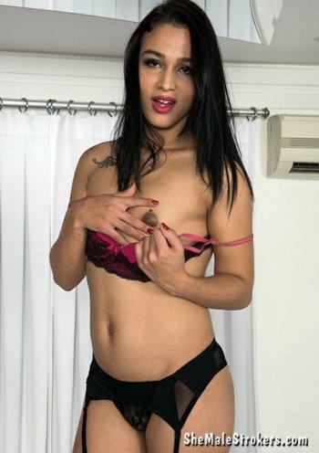 Priscila Reis  Bodyshot