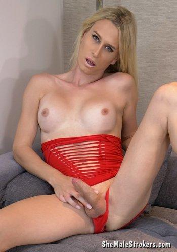 Nikki Vicious  Bodyshot